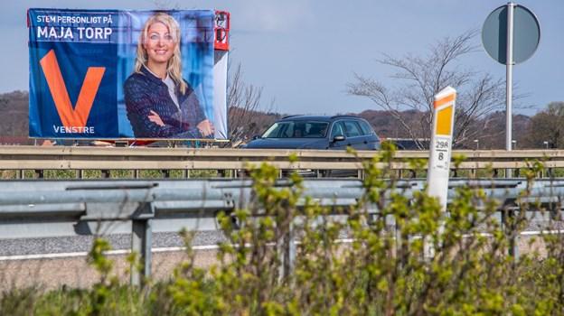 Hvis plakaterne ikke er fjernet 14. juni, så kan du tippe kommunen. Foto: Martin Damgård