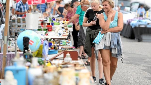 Tusindvis af handlende lægger vejen forbi. Foto: Allan Mortensen Allan Mortensen