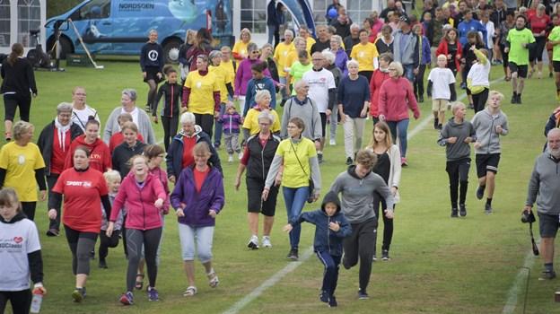 Både børn og voksne deltog i sidste års Stafet for Livet i Hjørring - i et døgn samlede de via gå- og løbeture penge ind til Kræftens Bekæmpelse. Arkivfoto: Bente Poder