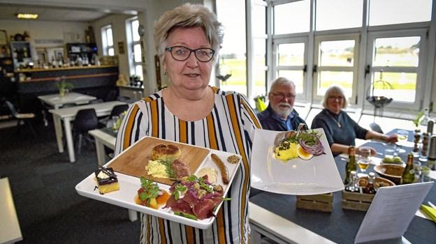 Nationalpark-platten reddede Stenbjerg Kro og forvandlede kroen til det den er i dag, fortæller Henny Mortensen, uden omsvøb. Ole Iversen