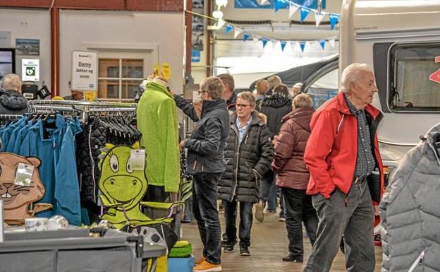 Der er masser at kigge på i den store udstillingshal hos Løgstør Caravancenter. Foto: Mogens Lynge Mogens Lynge