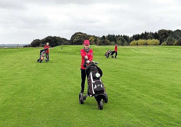 25 unge dyrker i dag golf i NordvestJysk Golfklub. Men flere må gerne komme og prøve sporten. Privatfoto Ole Iversen