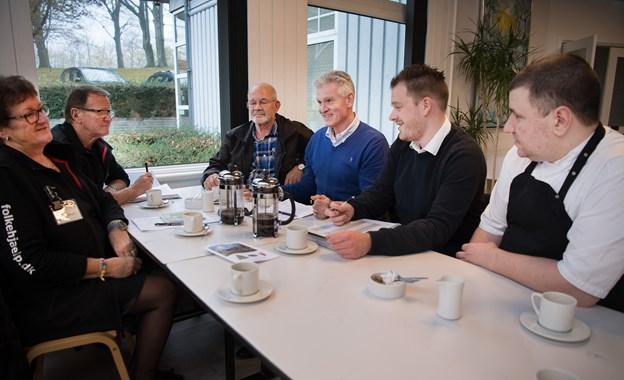 Planlægningsmøde med folk fra Dansk Folkehjælp, Sct Olai Logen og de to restauratører.