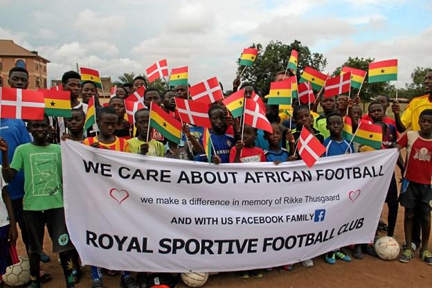 Glæden er ikke til at tage fejl af hos de afrikanske fodboldspillere. Privatfoto