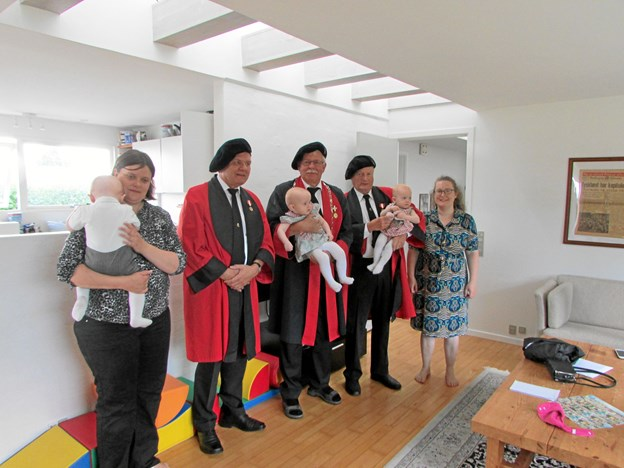Trillingerne i Visse er de største, som har modtaget  Trillingelegatet. De blev født 17. maj 2017. Privatfoto