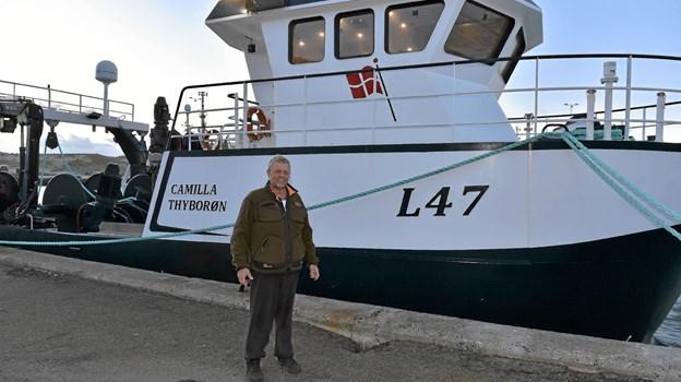 """Kim Johansen ved sin nye """"flex-trawler"""" Camilla - der skal fiske hummere og trawle efter blandt andet tobis.Foto: Ole Iversen"""