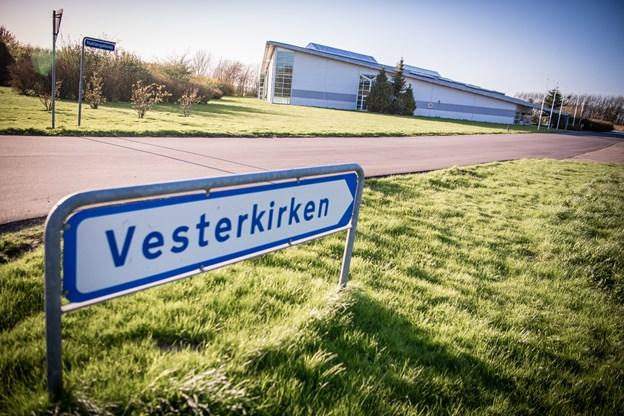 Man kan blandt andet komme til gudstjeneste i Vesterkirken i Stenum. Arkivfoto: Martin Damgård