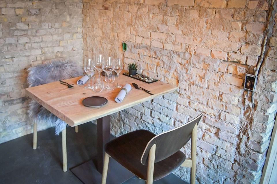 Makkerparret har ikke haft svært ved at blive enige om indretningen i restauranten, fortæller de. Foto: Kim Dahl
