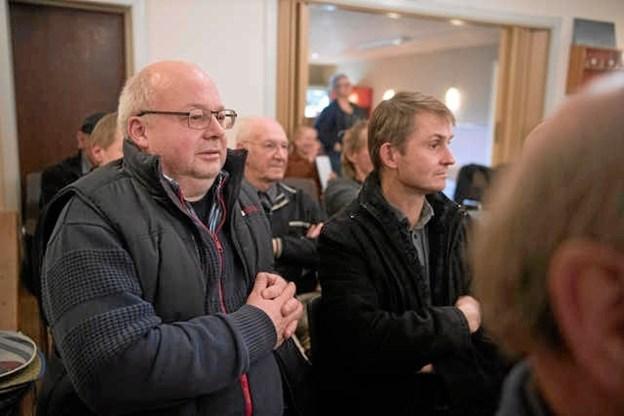 Søren Visti (tv) og Jørgen Johnsen synes trods betænkelige miner, at det er alle tiders projekt. Foto: Hans Ravn