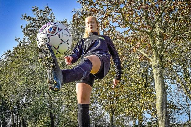 Som en af 6000 piger, er det lykkes for Sophie at gå hele vejen til de 20 piger, der skal spille landskampe. Foto: Ole Iversen