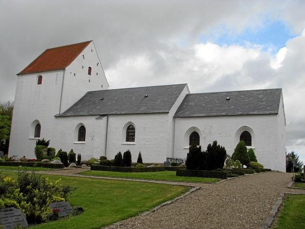 Der er blandt andet gudstjeneste i Thise Kirke. Arkivfoto