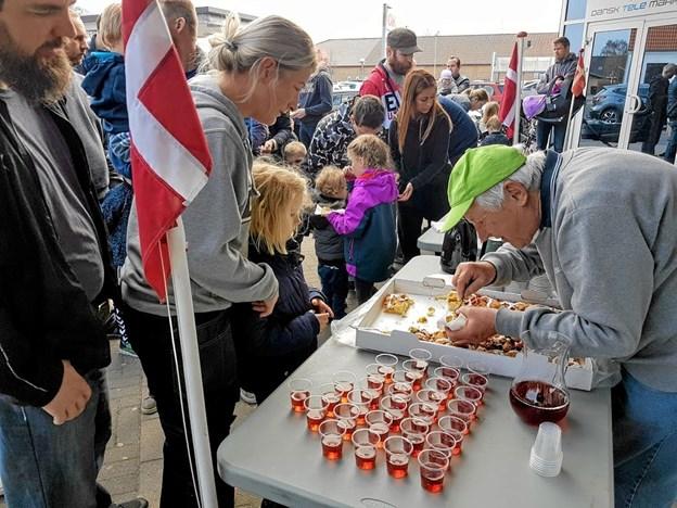 Der var kage, saftevand og kaffe til alle. Foto: Karl Erik Hansen Karl Erik Hansen