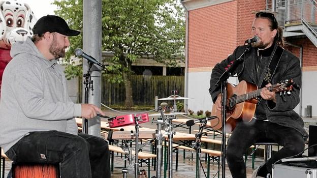 Møller & Varmløse spillede op i pavilionen. Foto: Peter Jørgensen Peter Jørgensen