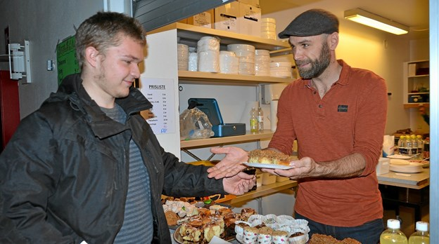 Der var lækkerier i julecafeen. Foto: Jesper Bøss Jesper Bøss