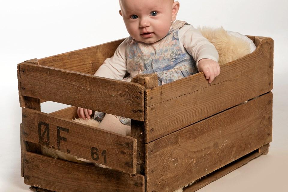 Emilie Bang Jensen er født 4. februar 2018. Hendes forældre er Majken Bang Sørensen og Jonas Jensen.
