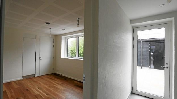 I huset er der indrettet præstekontor. Det ses her til venstre med separat indgang til højre. Foto: Allan Mortensen Allan Mortensen