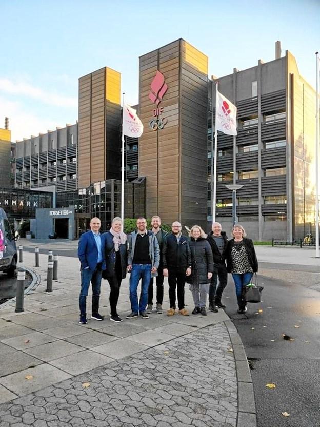 Hele bestyrelsen for Øster Hornum IF - gymnastik samt de fire trænere deltog i det årlige repræsentantskabsmøde i Idrættens Hus, hvor prisuddelingen fandt sted. Privatfoto