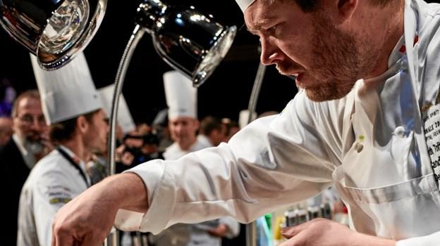 Kenneth Toft-Hansen var dybt koncentreret under konkurrencen. Foto: Bocuse d'Or Team DK