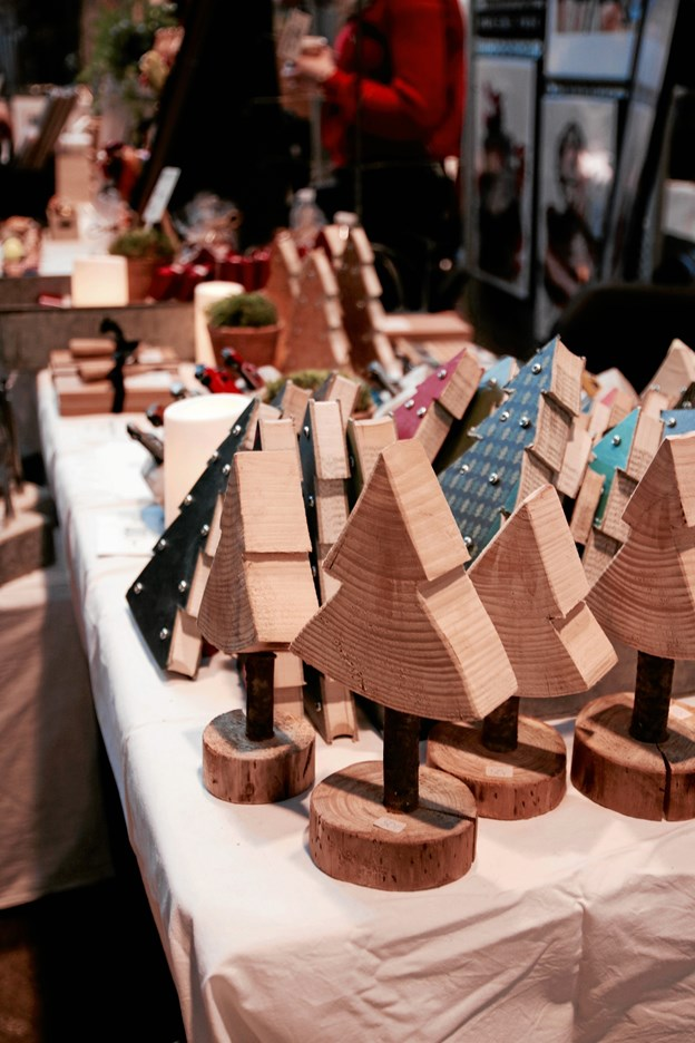 Arrangørerne har valgt både stande og workshops ud, så det bliver et marked i julestemning.Foto: Anne Østenby