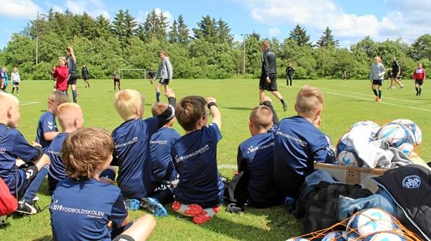Deltagerne i Trekroners fodboldskole kommer fra et stort geografisk område omkring Fjerritslev, Brovst og Løgstør. Foto: TIF98