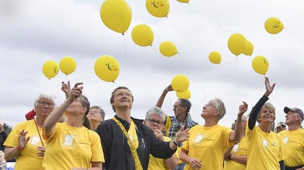 Billeder fra sidste års stafet - her sender fighterne balloner mod himlen. Arkivfoto: Bente Poder