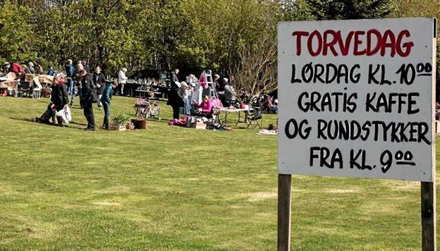 Velbesøgt Torvedag i Bjergby. Foto: Peter Jørgensen Peter Jørgensen