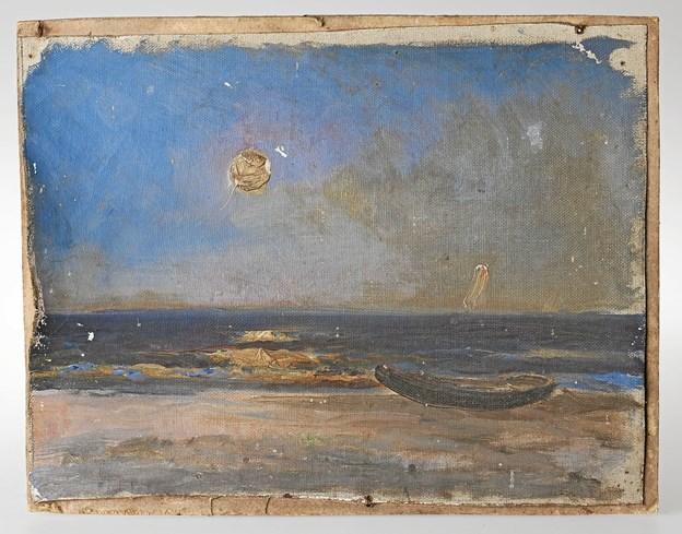 """Dette værk af Holger Drachmann, med titlen """"Marine. Robåd på strand"""", vidner om behovet for konservering.Foto: Skagens Kunstmuseer"""