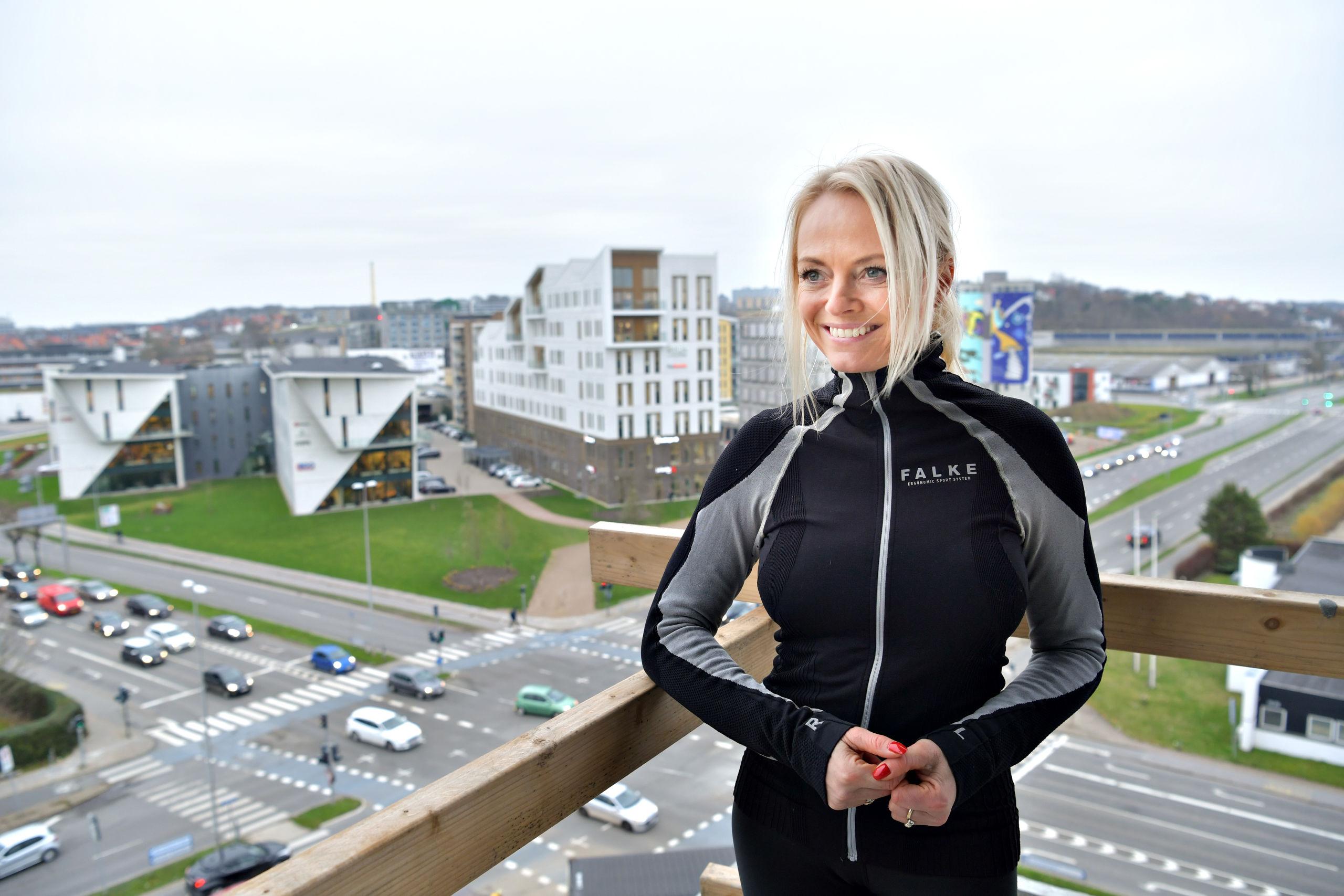 Mette Randorff på toppen af Boxits nye bygning. Hun er kvinden bag en workshop, der skal få pulsen op og give et mentalt boost. Foto: Claus Søndberg