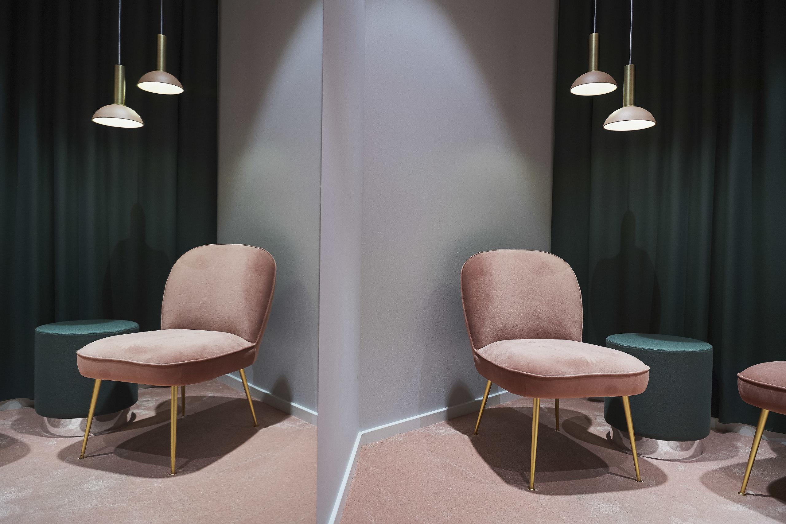 Kunden har fred og ro til at prøve tøj i et rum, hvor indretningen heller ikke er overladt til tilfældigheder. Foto: Laura Guldhammer