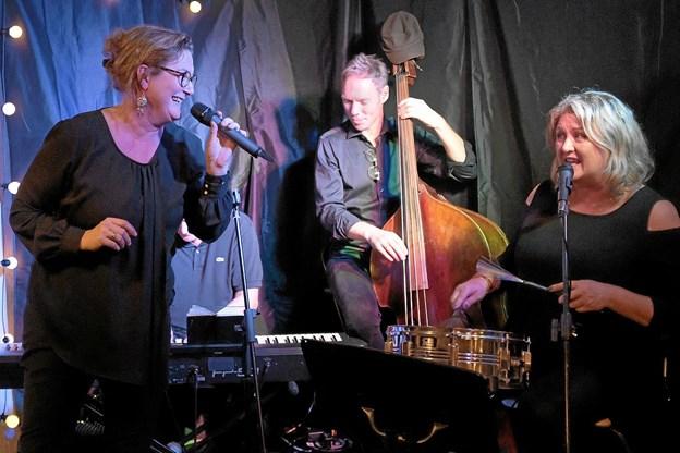 Laila Ryvænge fra Den Gamle Præstegård i Ugilt var aftenens solist. Foto: Niels Helver