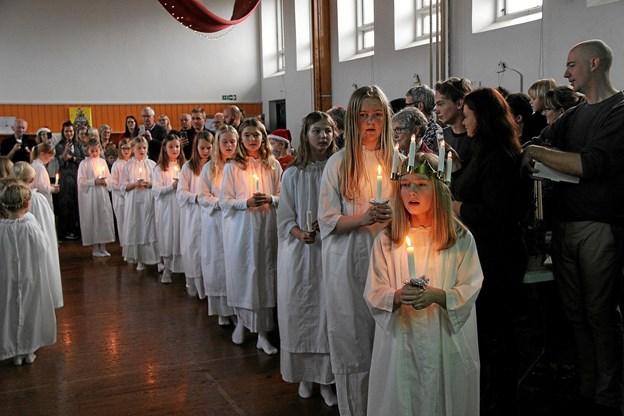 Smuk luciaoptog og smuk sang. Foto: Hans B. Henriksen Hans B. Henriksen