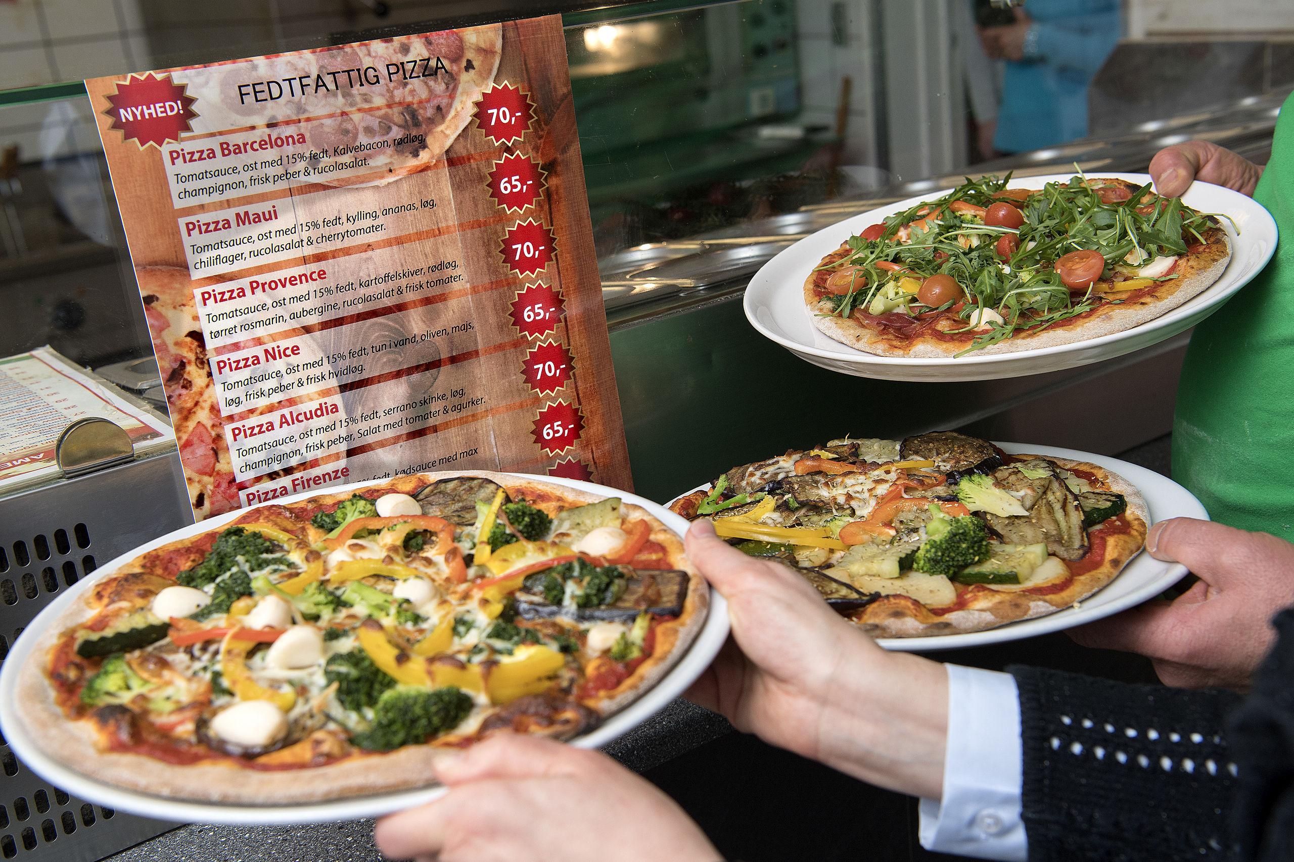 Der er otte forskellige slags at vælge imellem hos Yones Grill & Pizza, hvis du er sulten efter en fedtfattig pizza.