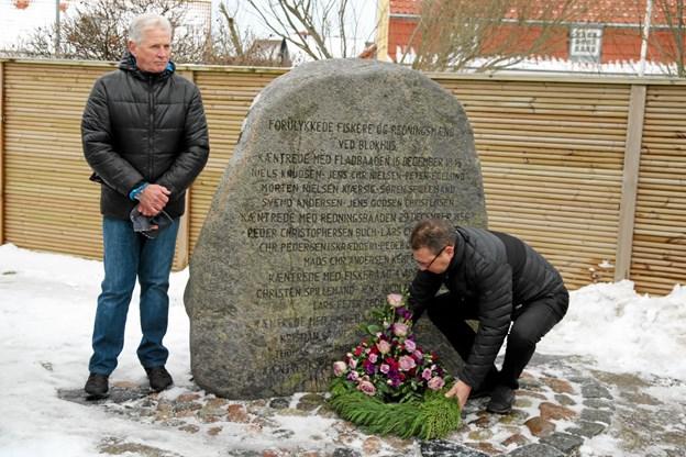 Kommunalpolitiker Christian Hem (V) holdt en tale ved mindestenen og nedlagde en smuk krans. Foto: Flemming Dahl Jensen Flemming Dahl Jensen