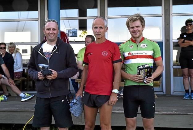 Top 3 herrer 6. km: 1. Amir Gradecevic (midten) 23.35, 2. Kristian Knudsgaard (tv) 24.26 min, 3. Nick Iversen 24.49 min. Foto: Ole Iversen