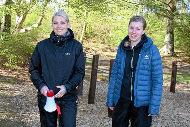 Pigerne som holder styr på arrangementet, Astrid Fisker Glavind og Line Mogensen. Foto: Flemming Dahl Jensen