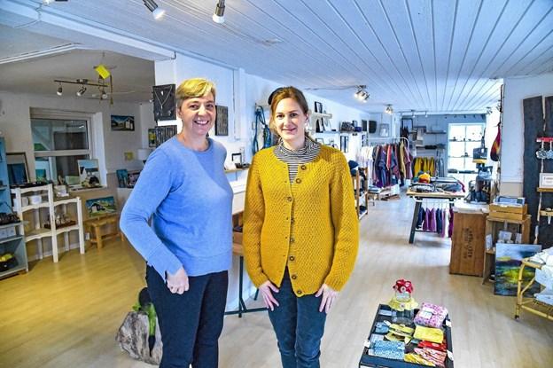 Berith Fyhring og Christina Normand Bislev vil gerne at Design Agger bliver et sted at opleve ting fra up-coming designere. Foto: Ole Iversen Ole Iversen