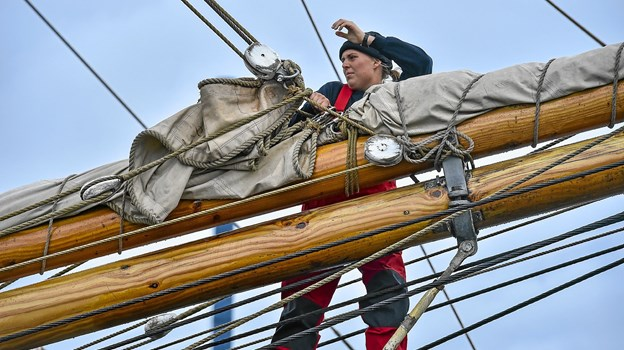 Klyveren klares 5 meter over vandet i Thisted havn.Foto: Ole Iversen