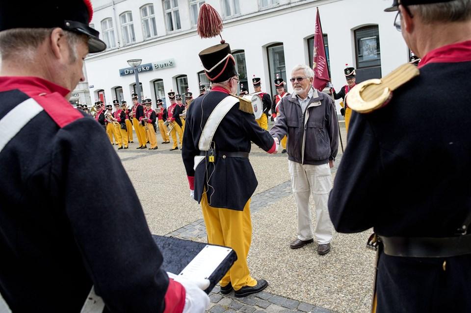 Preben Andreasen fik borgervæbningens hæderstegn for sin utrættelige indsats for Ambufesten igennem et halvt århundrede. Foto: Henrik Bo