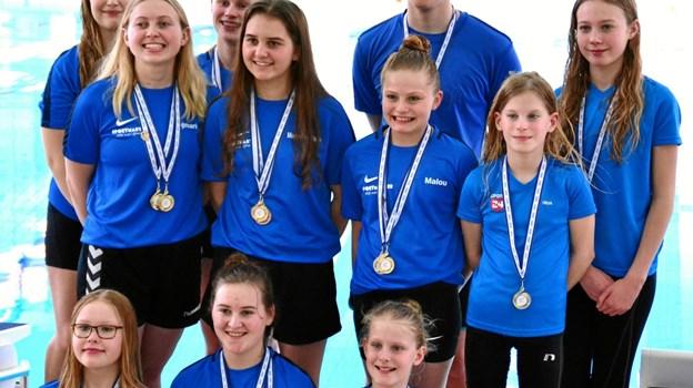 Hobros 11 kunstsvømmere gjorde sig særdeles godt bemærket ved abcde-stævnet i Gladsaxe. Privatfoto