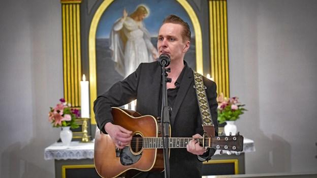 Dennis Lydom, der har sunget Cash i mange år i bandet Johnny Horsepower, rejser nu landet rundt med sin Cash-fortælling.Foto: Ole Iversen Ole Iversen