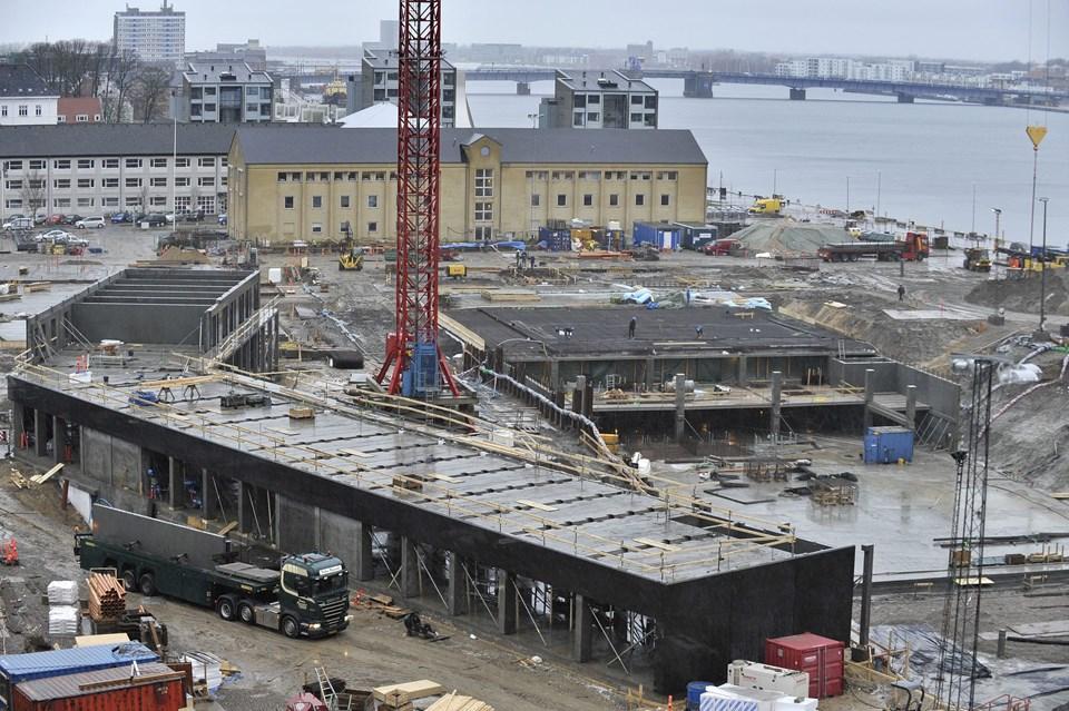 P-kælderen - hullet til højre i billedet - skal have adgangsvej til Nyhavnsgade. Foto: Michael Koch
