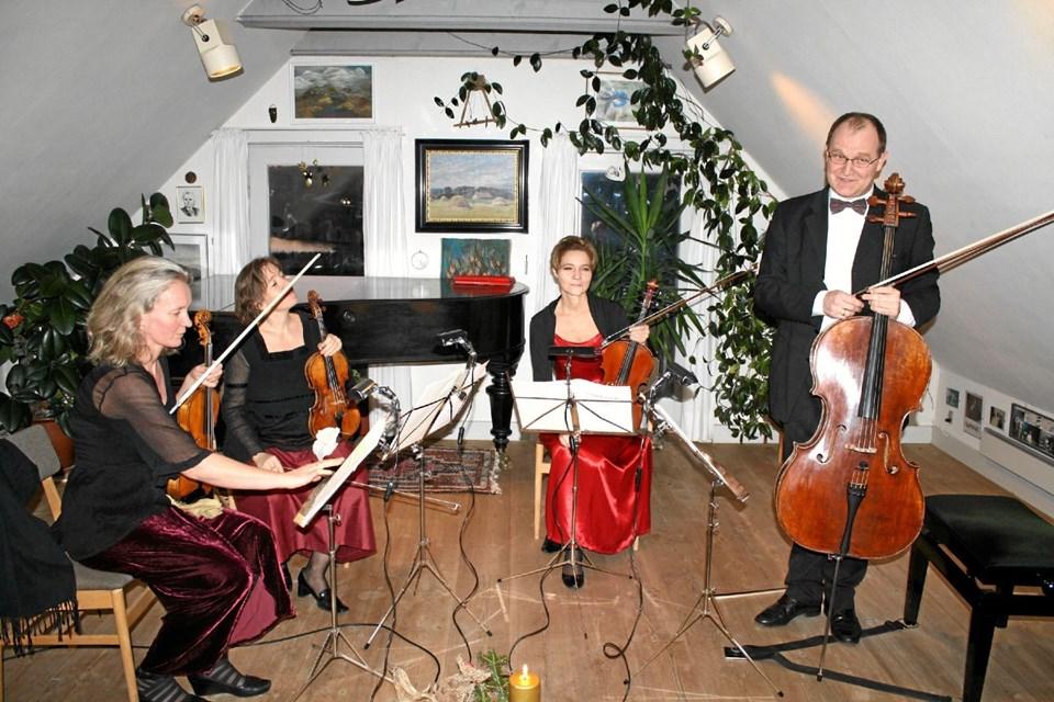 Mange musikere har gennem de 30 år spillet i Dorf gamle Skole. Her er det MIRA-Kvartetten, der i øvrigt vender tilbage til Dorf i august.Foto: Jørgen Ingvardsen Jørgen Ingvardsen