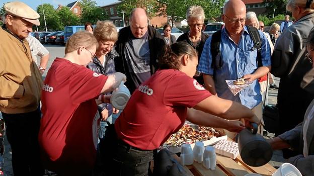 Nettos personale sørgede for kaffe og kagemand til alle.