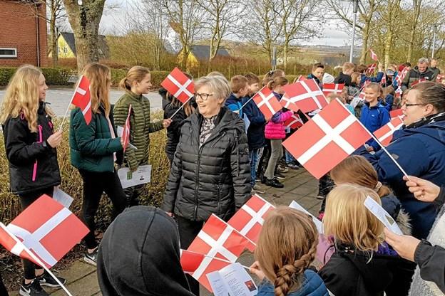 Der var sang, smil og søde bemærkninger hele vejen igennem flagallén. Foto: Karl Erik Hansen Karl Erik Hansen