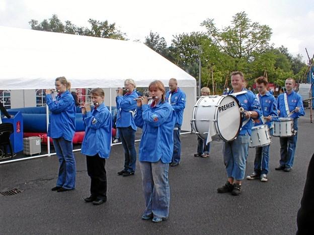 Svenstrup FDF Tambourkorps har ligget stille nogle år, men nu er de begyndt at øve i FDF-huset igen. Billedet her er fra 2006. Privatfoto