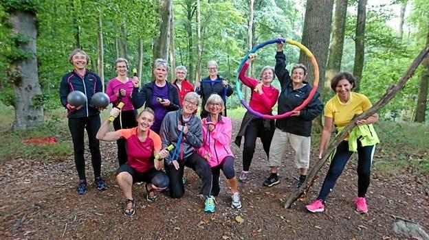 Gymnastik kan også dyrkes i skoven. Privatfoto