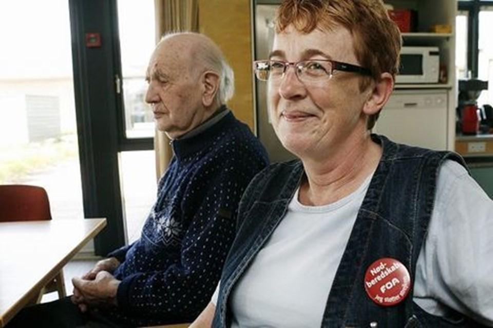 61a1d83d Doris Boelt, social- og sundhedshjælper, kunne i går ikke rigtig sige så  meget om, hvad hun synes om resultatet af lønforhandlingerne.Foto: Bent Bach