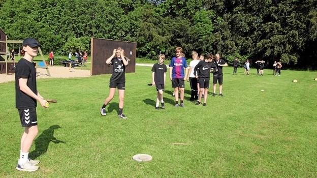 En gang rundbold blev det også til, da de kommende elever i 8. klasserne mødtes. Foto: Jørgen Ingvardsen Jørgen Ingvardsen