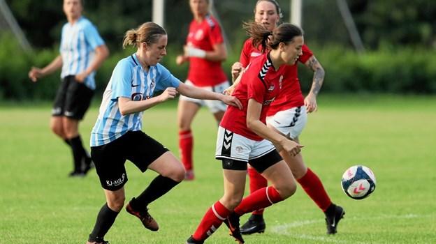 Holtet i røde bluser vandt 1-0 over SUB 09 og er dermed klar til at spille med i Kvindeserie Vest. Foto: Allan Mortensen
