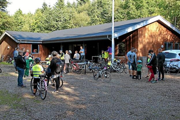 Eleverne begyndte at ankomme ved 9,30- tiden.Foto: Hans B. Henriksen